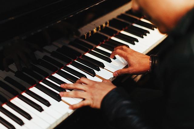 pianist-fingers