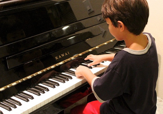 piano-young-boy
