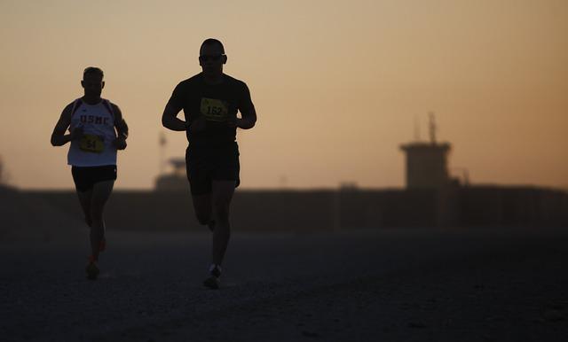 runners-sunset