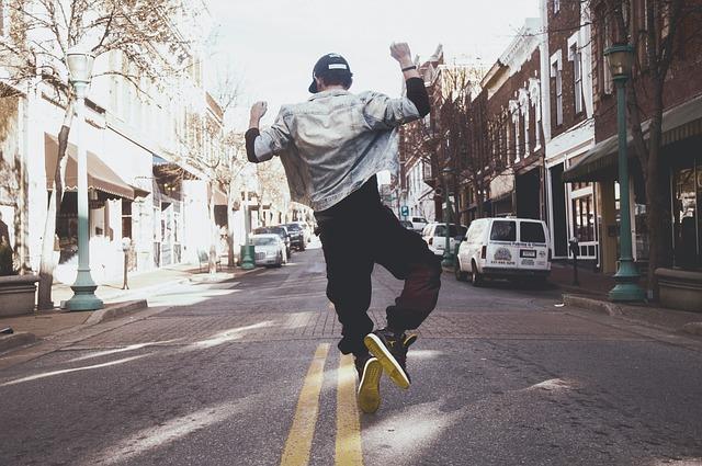 dance-man-street