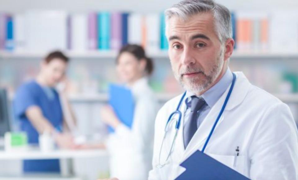 專業醫生-醫生薪水
