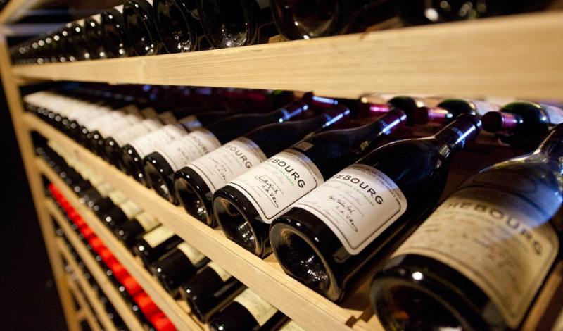 Wine-purchasing-expert