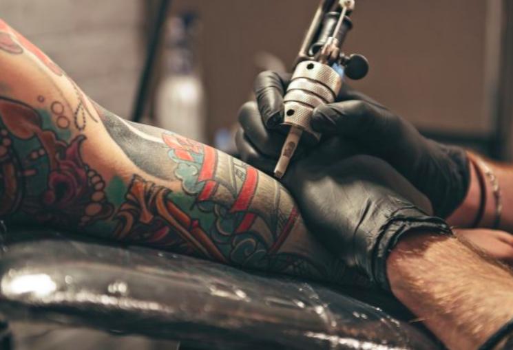 tattoo-tattooer-Tattoo-Artist-salary
