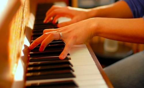 彈鋼琴-鋼琴教學-鋼琴和弦