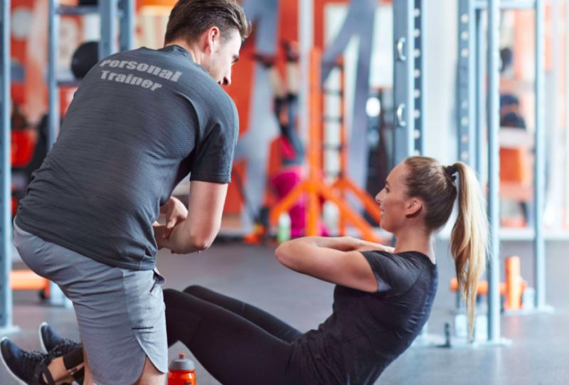 個人-訓練員-教練-健身-課程-收入