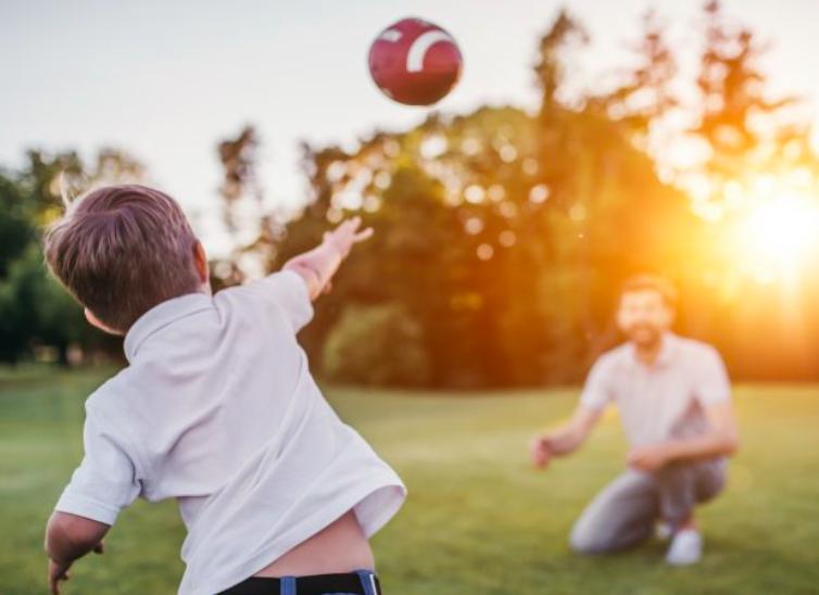 四分衛-教學-投擲-美式足球-丟球-方法